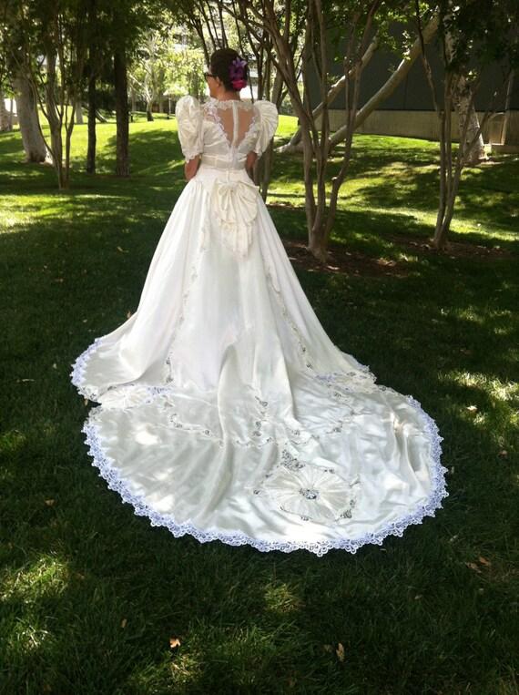 Jahrgang 1993-Hochzeits-Kleid weiß mit Perlen Pailletten und