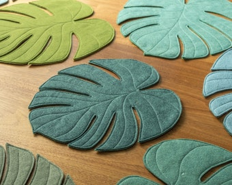 Monstera Leaf reversible table mat placemat centerpiece in Clover