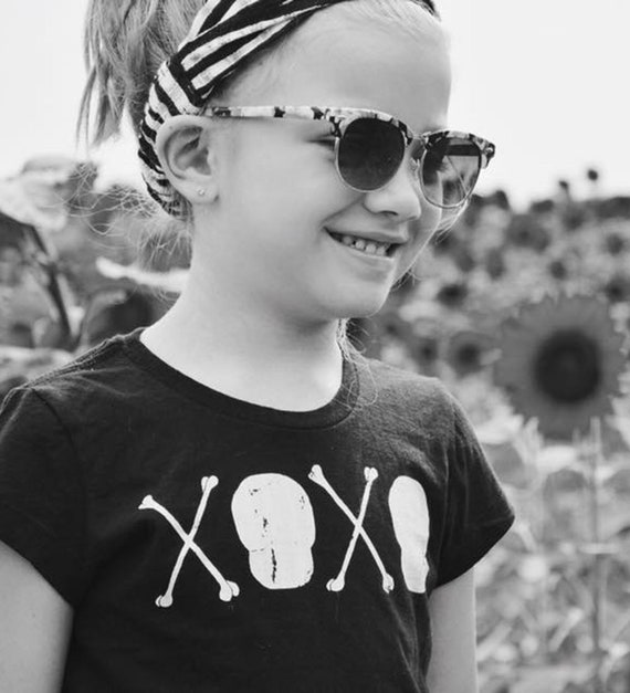 Flowery Skull And Crossbones Floral Rebel Girls Youth T-Shirts Tees Tshirts