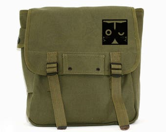 Dueling Watson the Cat - Basic Canvas Backpack