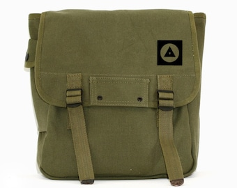 Bauhaus Shapes - Simple Canvas Backpack
