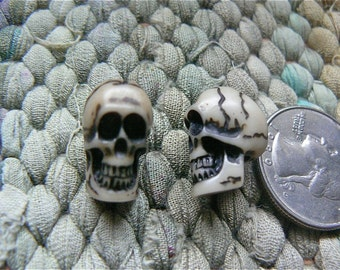 19mm resin skull bead with fine detail - lot of 10