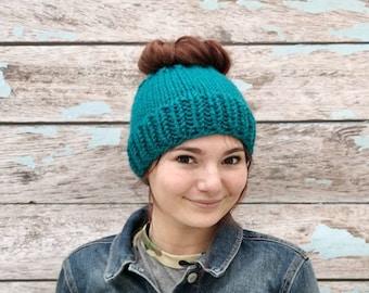 Knitted Messy Bun Hat, Messy Bun Beanie, Messy Bun Hat, Knit Ponytail Hat, Chunky Messy Bun Hat, Ponytail Beanie, Knit Ponytail Hat