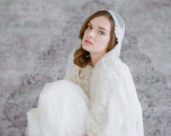 Bridal veil - Juliet bead and lace embellished lux veil - Style 711 - Made to Order