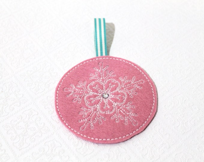 ITH In The Hoop Folksy Lace Snowflake Xmas Ornaments Machine Embroidery File design