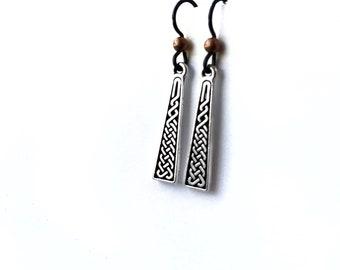 Celtic Braid earrings. Irish design earrings with niobium hypoallergenic ear wires