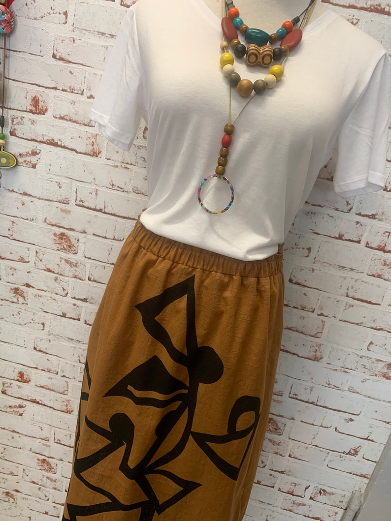 black print skirt-beautiful fabric-super cool for summer-woman 12-14-large gorgeous curry cotton blend