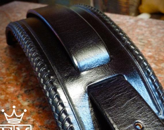 Black Leather Cuff bracelet : Hand made, Kangaroo lace braided edge
