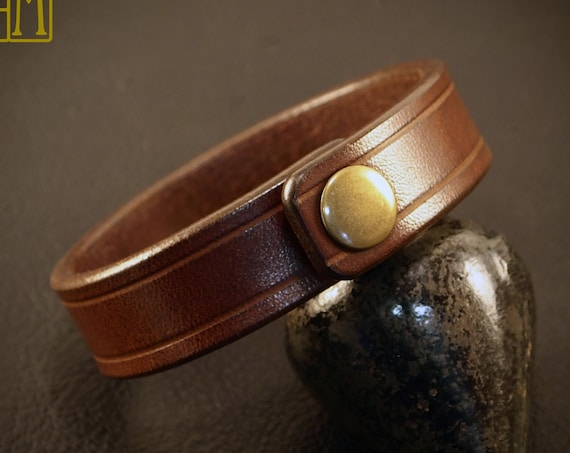 Brown bridle leather bracelet : Snap cuff American Bridle leather. Scribed, Sexy and luxurious Made in USA!