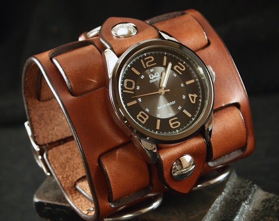Brown Leather cuff watch: Elvis Presley 68 comeback special! Wide, Slick vintage style with Racer face!