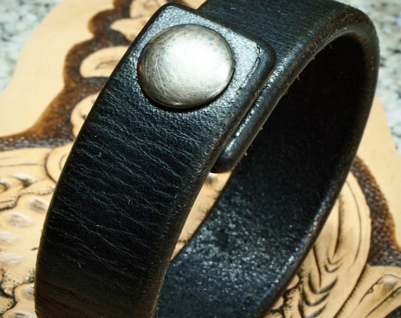 Black leather bracelet :  Distressed American Bridle Leather. Thin and Sexy!