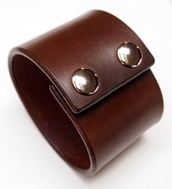 Brown Leather cuff Bracelet : Vegetable tanned American bridle Leather wristband with polished snaps! handmade in NY!