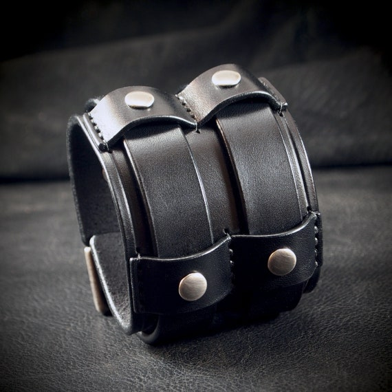 Black Leather cuff Bracelet : Bridle leather wristband Double buckle design. Custom made for you in New York!