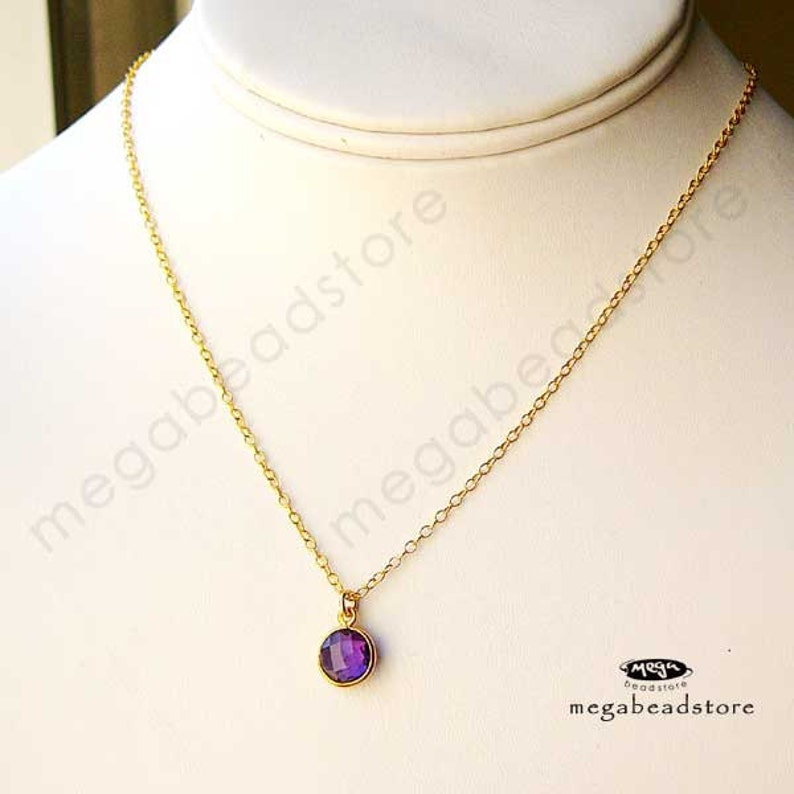 Gold bezel Pendant Charm F383 Dyed 4 pcs 8mm Red Ruby