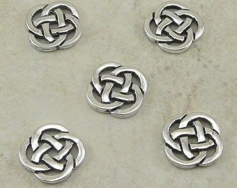 5 TierraCast Celtic Open Round Knot Link Charms > St Patricks Day Irish -  Silver Plated Lead Free Pewter - I ship internationally 3033