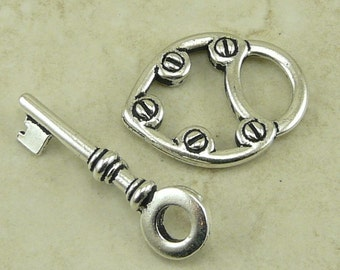 1 TierraCast Lock and Key Toggle Clasp > Steampunk Victorian Valentines Love - Silver Plated Lead Free Pewter - I ship internationally 6170