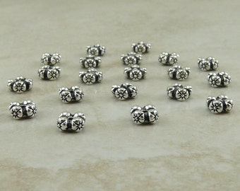 20 TierraCast Four Flowers Spacer Beads - Floral Bride Bridal Garden Spring - Silver Plated LEAD FREE pewter - I ship Internationally 5675