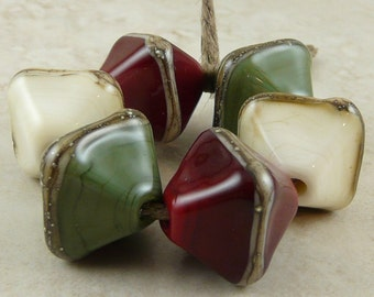 Made to Order - Primitive Rustic Cabin Glass Crystals - Red Green Ivory Christmas - Handmade Lampwork Bead Set SRA - I ship Internationally