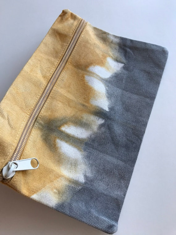 Makeup Travel Bag Cotton Canvas Zipper Pouch  Purse Indigo Blue and Green Hand Dyed with Natural Dyes in Shibori  Itajime Design