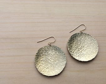 gold disc earrings | hammered brass | statement earrings | gift for her