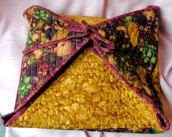 Quilted Cozy Casserole Cover and Carrier in Autumn Colors