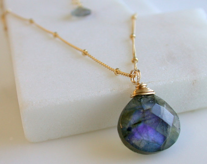 Labradorite Necklace Labradorite Pendant Gemstone Necklace Blue Flash Labradorite Gifts for Her