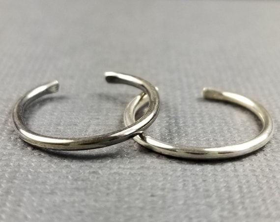 Slim Round Wire Sterling Silver Toe Ring/body jewelry/modern toe ring/minimalist toe ring/minimalist jewelry