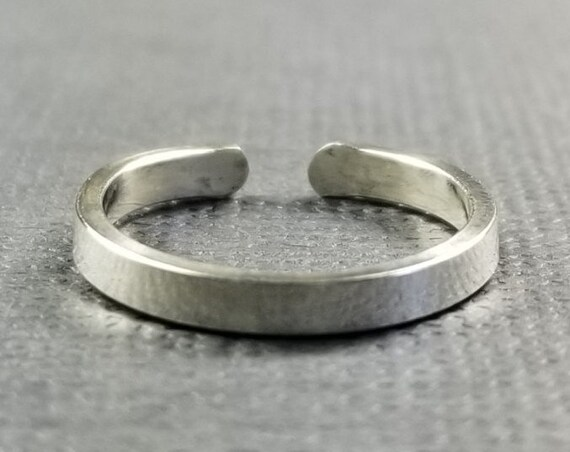 Sterling Silver 2mm Polished Flat Toe Ring/Mimimalist Toe Ring/Body Jewelry/Flat Toe Ring