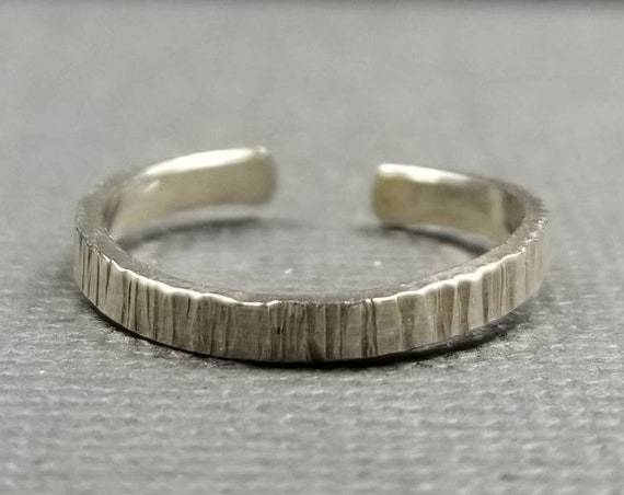 Striated Sterling Silver Toe Ring, Body Jewelry, Summer Accessory, Made in Canada, Wedding Jewelry