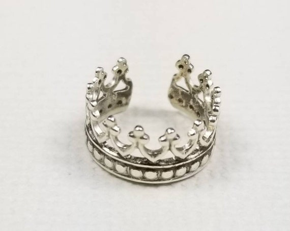 Sterling Silver Ear Cuff- Queens Crown, Faux Piercing