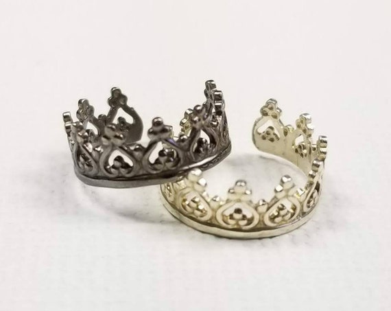 Princess Crown Sterling Silver Ear cuff, faux piercing, made in canada, silver ear cuff, sterling body jewelry