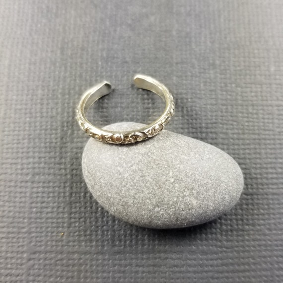 Skinny Floral Sterling Silver Toe Ring, Woodland Jewelry, Boho Jewelry, Silver jewelry, modern rings, delicate pretty rings, made in canada