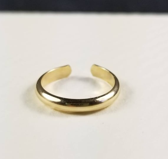 Wide Half Round 14K GoldFilled Toe RIng, Minimalist Body Jewelry, Modern Jewelry 2.5mm wide, toe ring