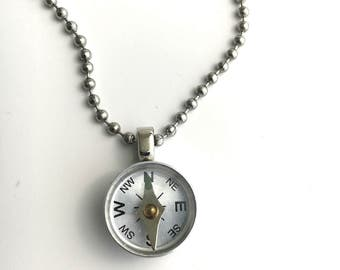 Working Compass necklace - Unisex Necklace - Graduation Gift for traveler