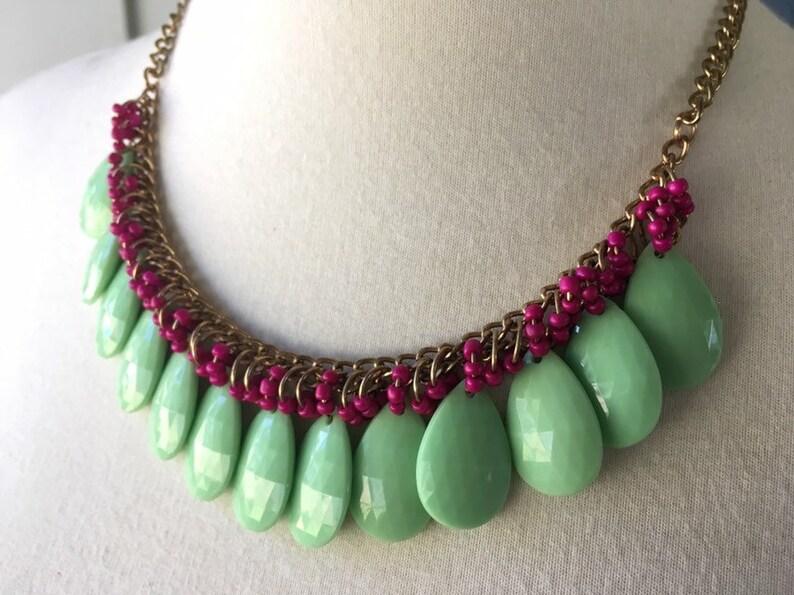 Mint Green Tear Drop /& Magenta Seed Bead Fuax Bib Necklace!