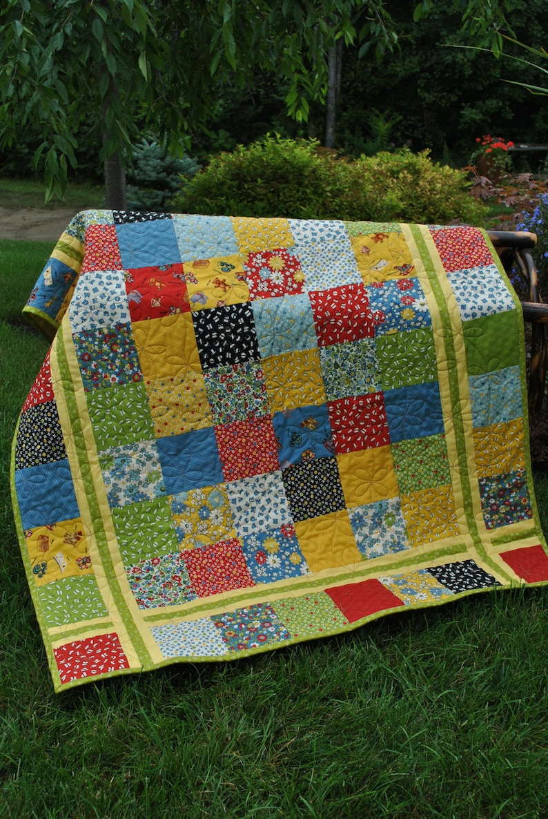 PDF Quilt Pattern     Charm square, Layer Cake or Fat Quarter friendly,    Table runner, baby and lap size, Simple Stitches