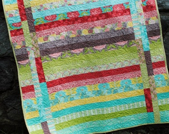 PDF QUILT PATTERN.... Quick and Easy...one Jelly Roll ...  Between the Lines