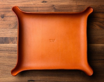 MONOGRAMMED Leather Catchall - Large, Tan (groomsmen gift, personalized valet tray, custom tray, gift for him, anniversary gift for him her)