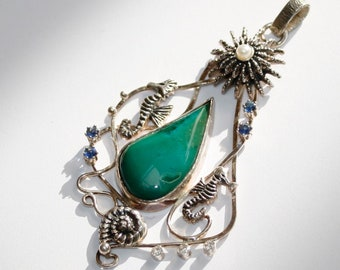 Seahorse necklace. Silver pendant with gem chysocolla (gem silica)