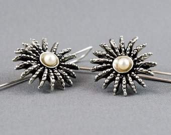 Ocean jewelry. Anemone silver earrings. Organic earrings with the pearls