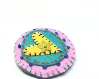 Wee embroidered folk art heart brooch