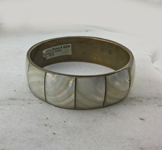 4 Vintage MOP Brass Bangles wide and skinny stacking bracelet lot inlaid mother of pearl shell natural dyed pink