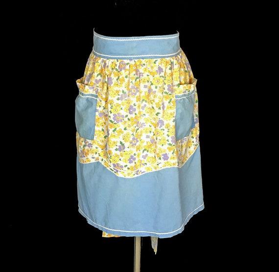 Pockets 1960/'s Half Apron Vintage Arpon White Rick Rack Blue Accents Yellow Floral Print