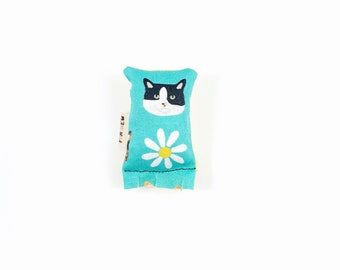 Kitty Cat Green Bean Organic Catnip Eco Friendly Cat Toy For Mew, Gift For Cat Lover