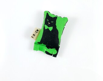 Tuxedo Cat Green Bean Organic Silver Vine Catnip Blend Eco Friendly Cat Toy For Mew, Gift For Cat Lover
