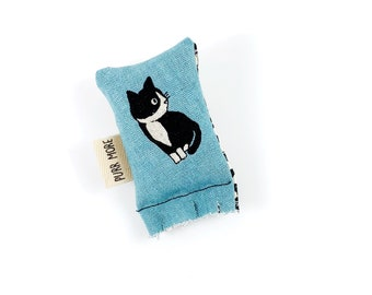 Tuxedo Cat  Green Bean Organic Eco Friendly Silver Vine Catnip Blend Cat Toy For Mew, Gift For Cat Lover