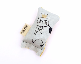 Royal Kitty Green Bean Organic Eco Friendly Silver Vine Catnip Blend Cat Toy For Mew, Gift For Cat Lover