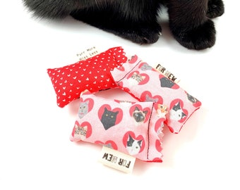 Valentines Cats Green Bean Organic Catnip Eco Friendly Cat Toy For Mew, Gift For Cat Lover