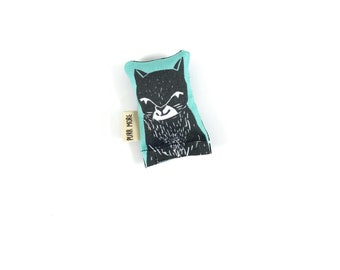 Black Cat Green Bean Organic Catnip Eco Friendly Cat Toy For Mew, Gift For Cat Lover