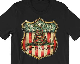 Don't Tread on Me American Shield Short-Sleeve Unisex T-Shirt Traditional Tattoo Flash Snake